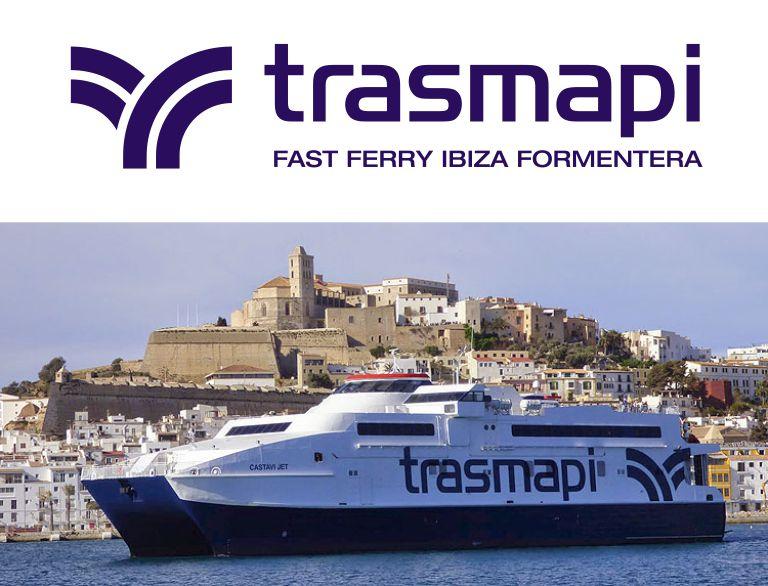 Ferry de Trasmapi saliendo del puerto de Ibiza dirección a Formentera d
