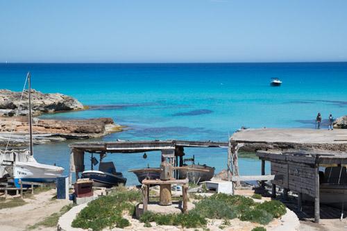 Es Caló de Sant Agustí, Formentera visto desde la carretera