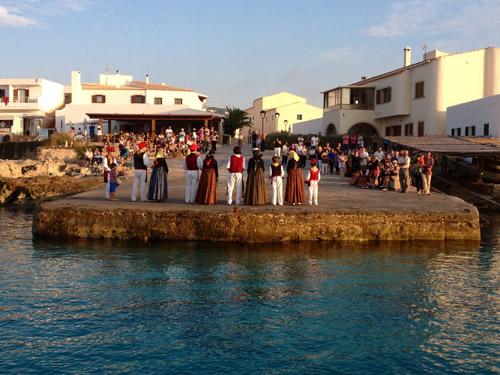 Baile tradicional y fiestas patronales en Es Caló, Formentera