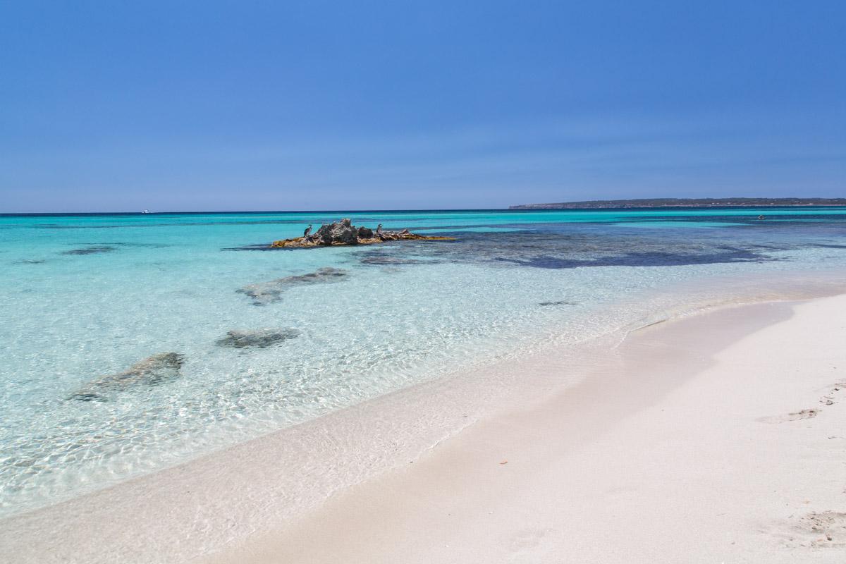 Es Playa de Es Codol Foradat, Formentera